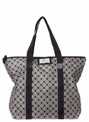 Gweneth P Linger Bag Black