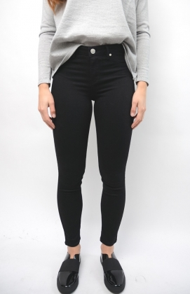 Jolie Cropped Boss Black Denim
